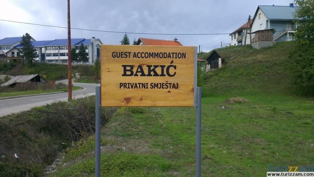 Privatni smještaj Bakić