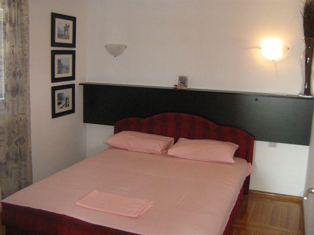 3-soban stan u Budvi