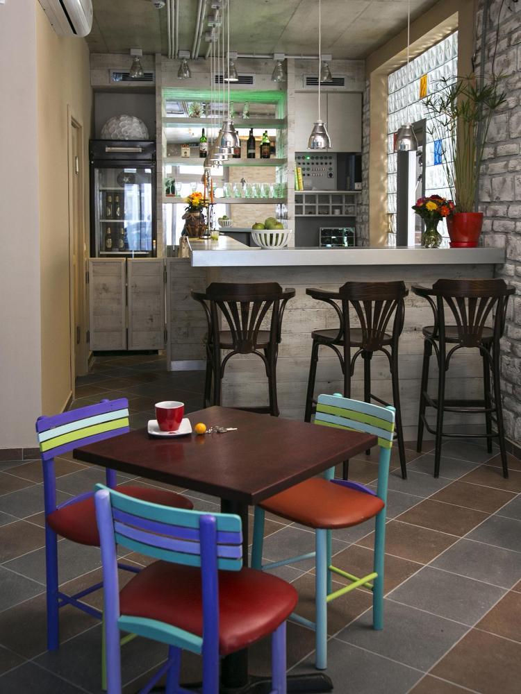 Varad INN Hostel & Cafe