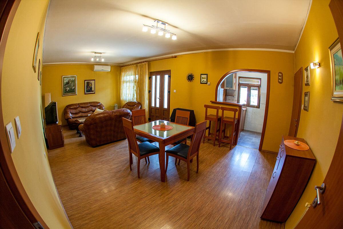 Villa Sandra - Apartman sa dve spavaće sobe