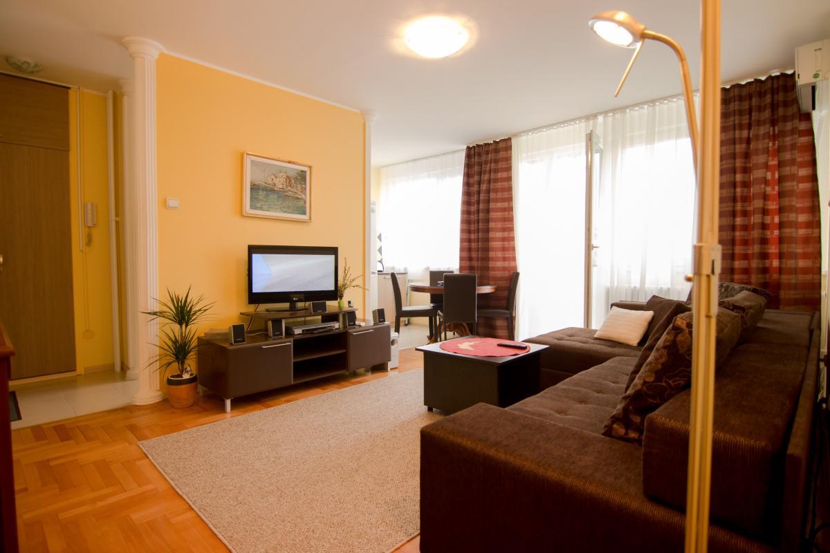 Apartman Kej Novi Beograd