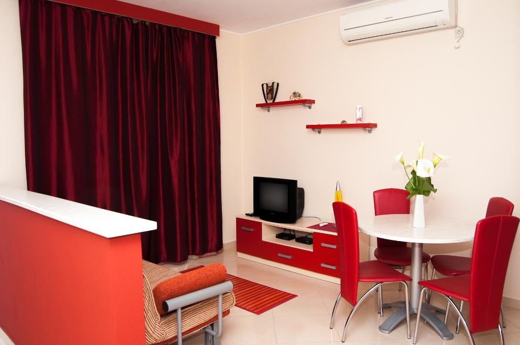 Apartmani Komarna - Crveni apartman