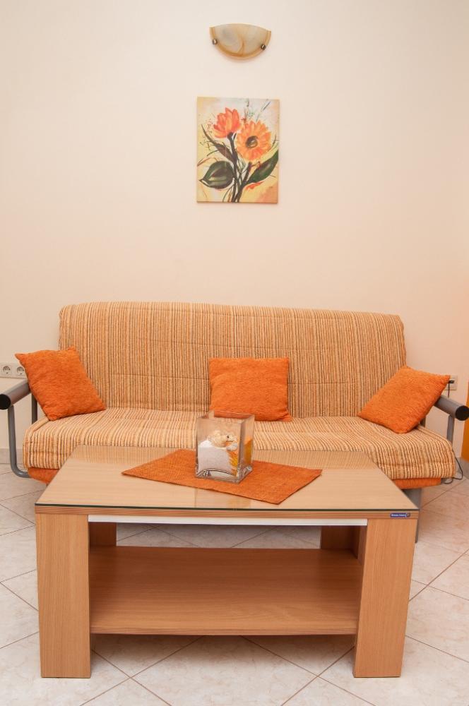 Apartmani Komarna - Narančasti apartman