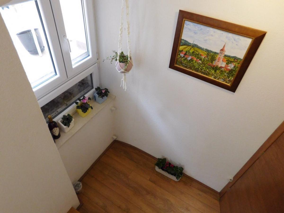 Apartmani Kamena kuća