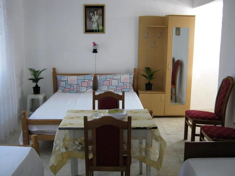 Apartmani i sobe u Sutomoru