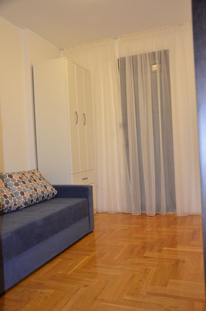 Dvosoban apartman Podmaine 4